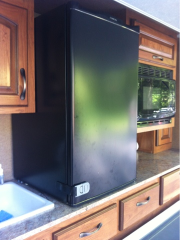 Mini Mod Outdoor Fridge Opens During Travel Learn To Rv