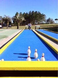 Duck pin bowling