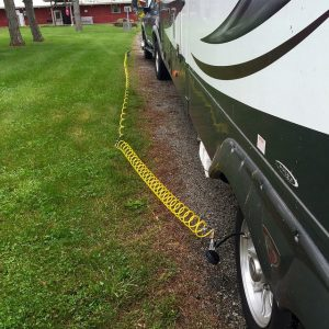 I need both of my air hoses to reach the camper tires